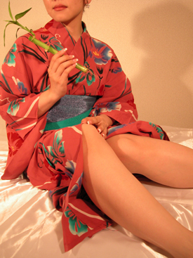 Nice Woman dressed in Japanese clothes at Tokyo Club Boo